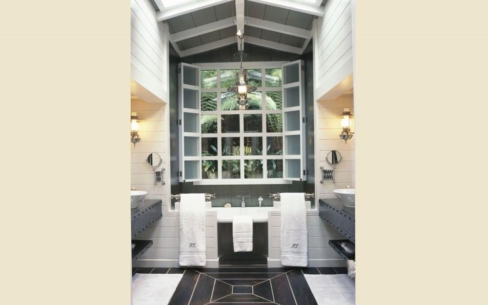 19-Jnr-Lodge-Suite-bathroom-1024x640