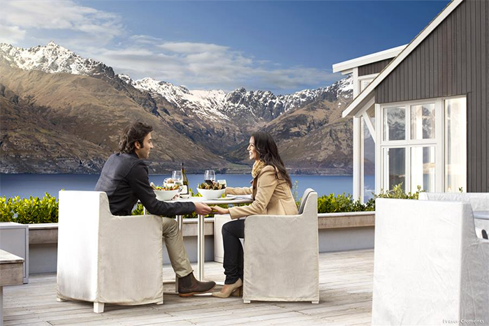 NZ-luxury-accommodation-Matakauri-Lodge-02-1