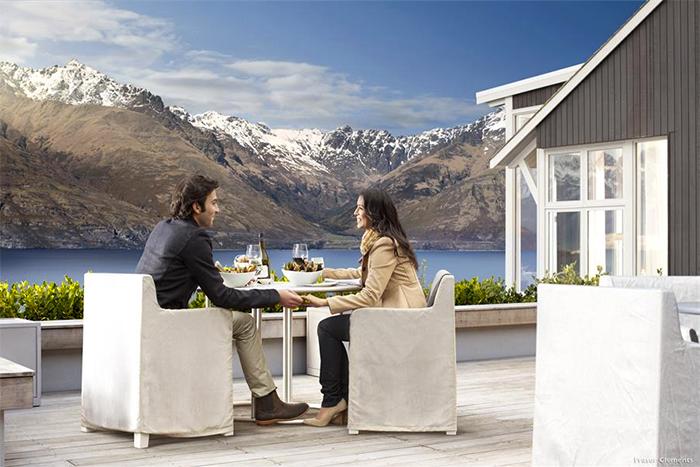 NZ-luxury-accommodation-Matakauri-Lodge-02