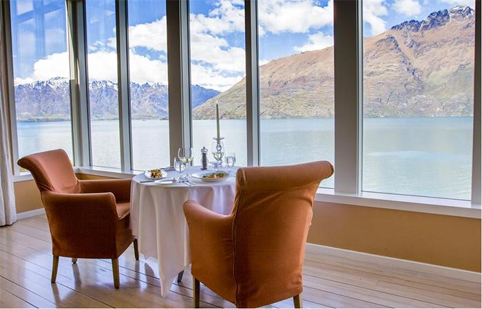NZ-luxury-accommodation-Matakauri-Lodge-03