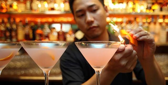 auckland-cocktail-bar-at-hotel-de-brett-1.png