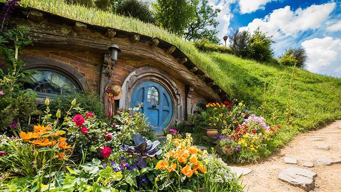 hobbiton-movie-set-new-zealand