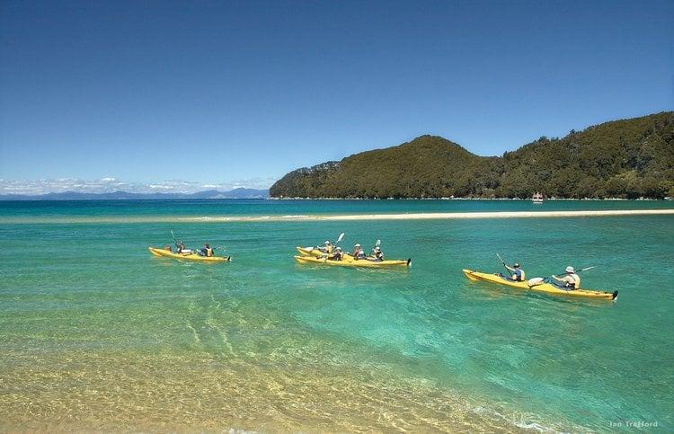 kayaking-new-zealand-waters