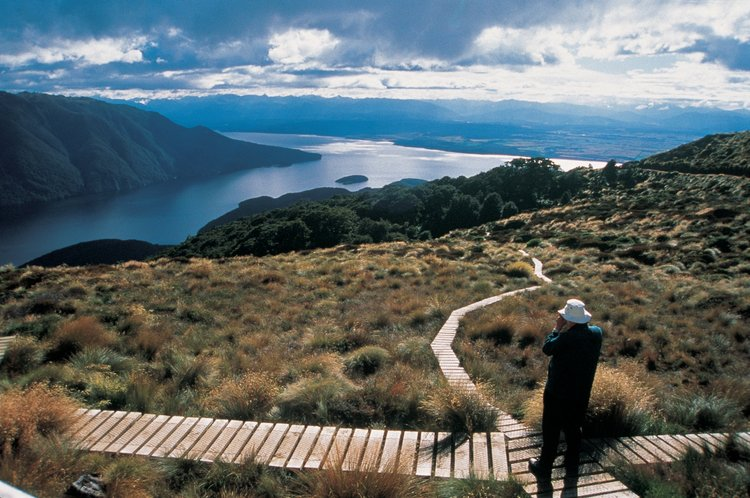 kepler-track-hiking-new-zealand
