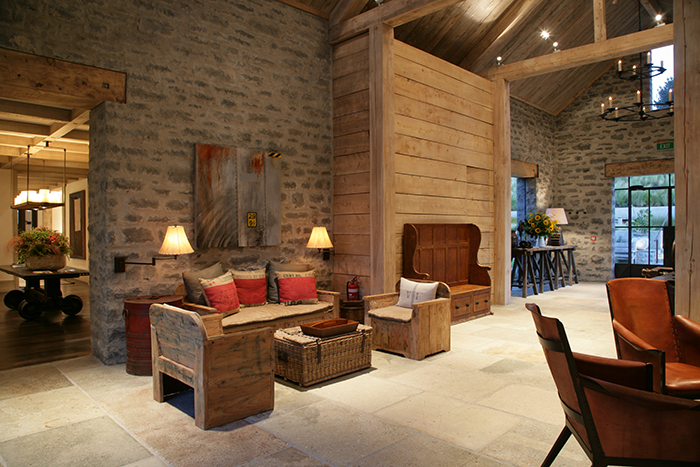 luxury-lodge-entrance-hall