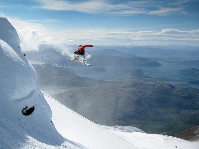 new-zealand-mountain-skiing