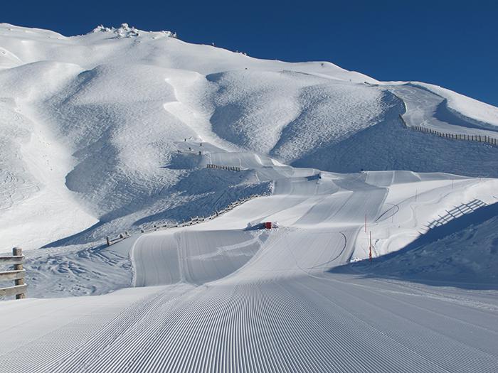 treble-cone-skiing-new-zealand
