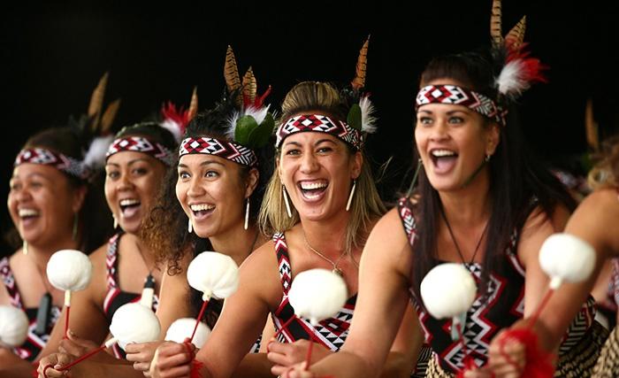 Maori-New-Zealand-women