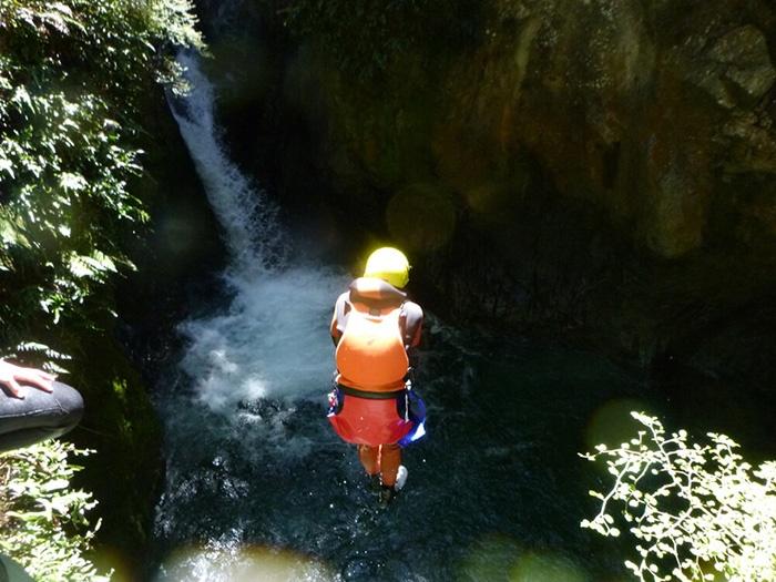 Routeburn-Canyon-Adventure-New-Zealand-5