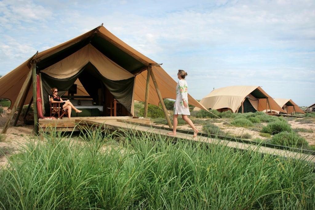 Sal-Salis_Ningaloo-Reef_Wilderness-tent-exterior