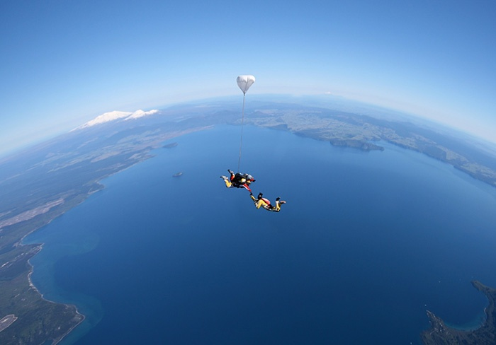 Skydiving-over-Lake-Taupo-new-zealand