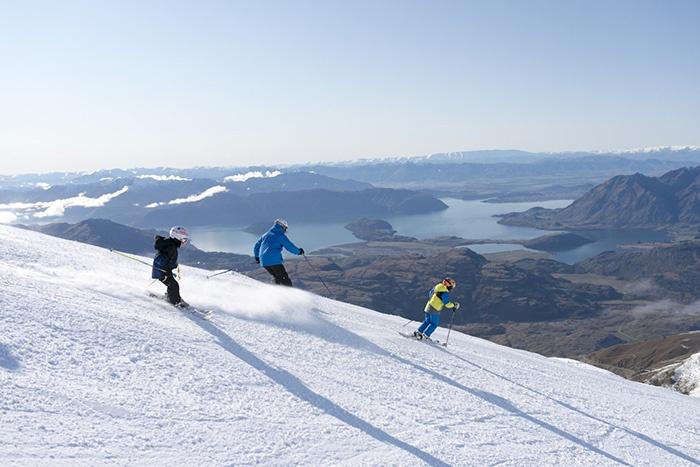 Treble-Cone-Wanaka-Family-Skiing-MR_copy