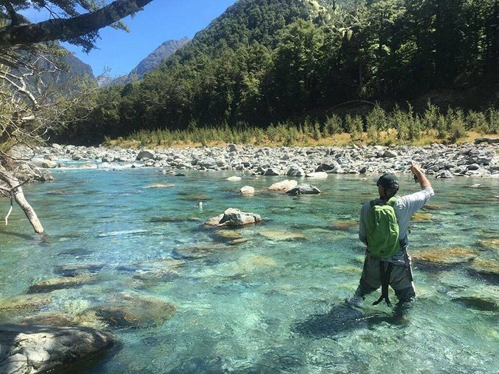 fly-fishing-new-zealand-river