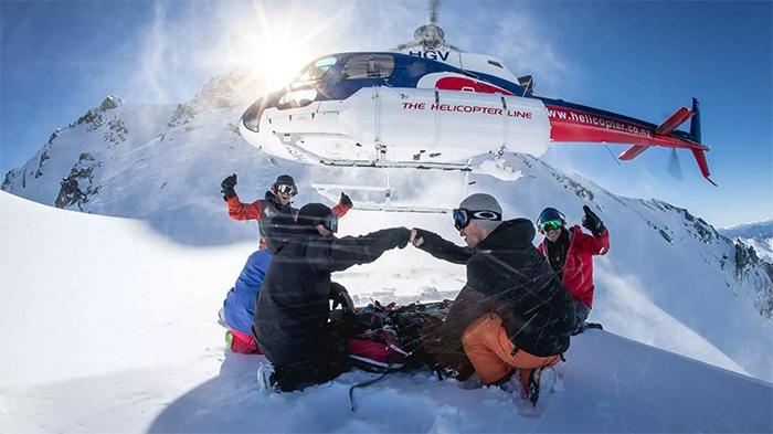 heli-skiing-new-zealand-snow