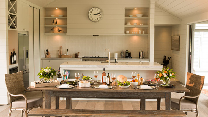 luxury-lodge-kitchen