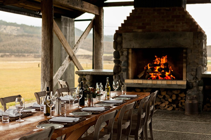 luxury_sporting_lodge_nz_stables_dining