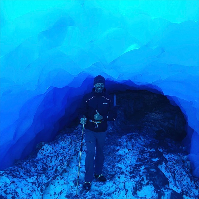 new-zealand-ice-caving