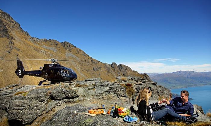 new-zealand-mountaintop-picnic