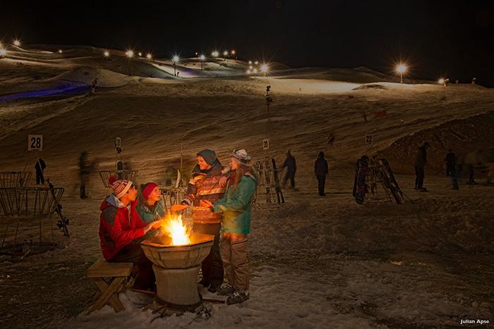 new-zealand-night-skiing-mountain