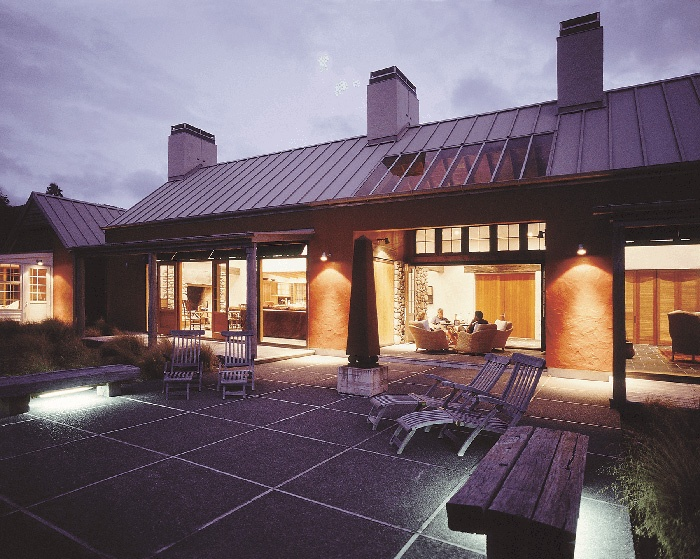 sporting_lodge_accommodation_Blake_house_nz_outside