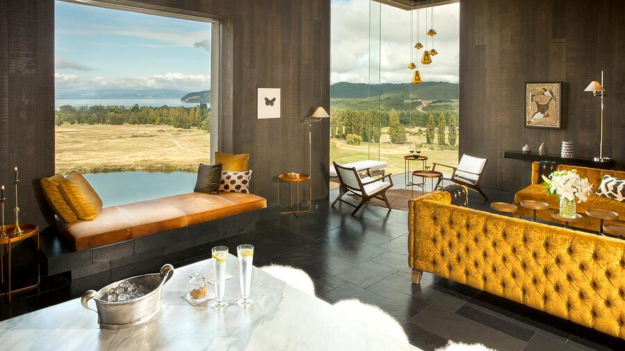 ultimate-forest-and-lake-escape-2-2-.-1-night-complimentary-the-lodge-at-kinloch