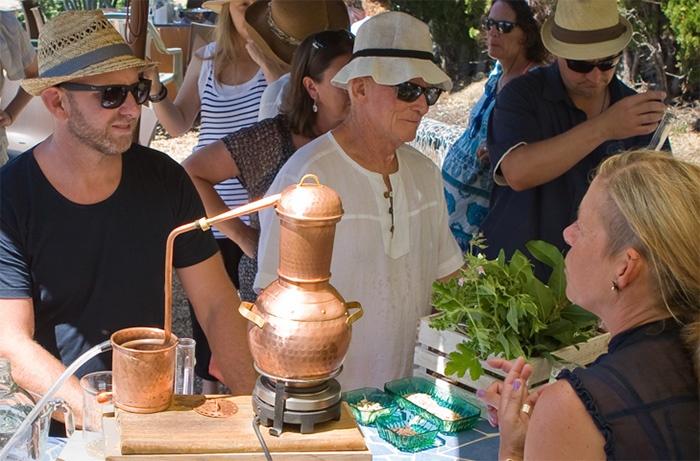 waiheke-island-gin-making